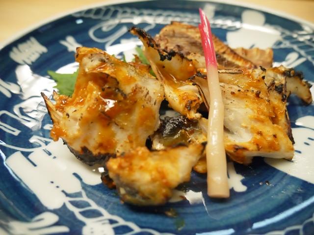 長州場所さんの焼ふぐ(塩麹と雲丹醬油につけて焼いてあります).