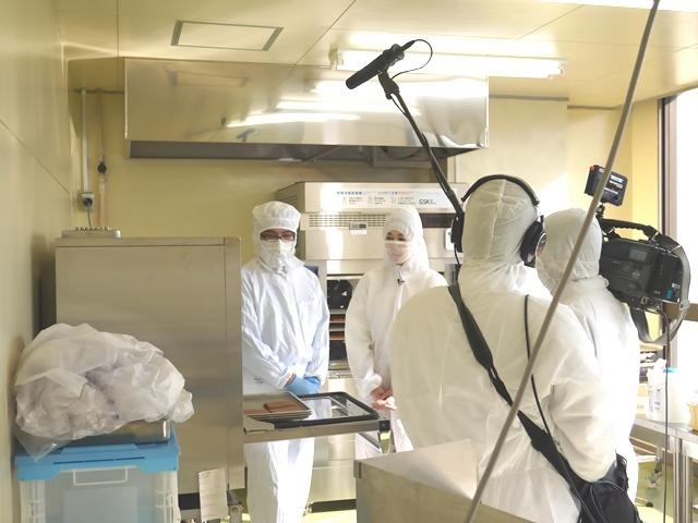 焼うにキューブ熱血テレビ取材5_工場